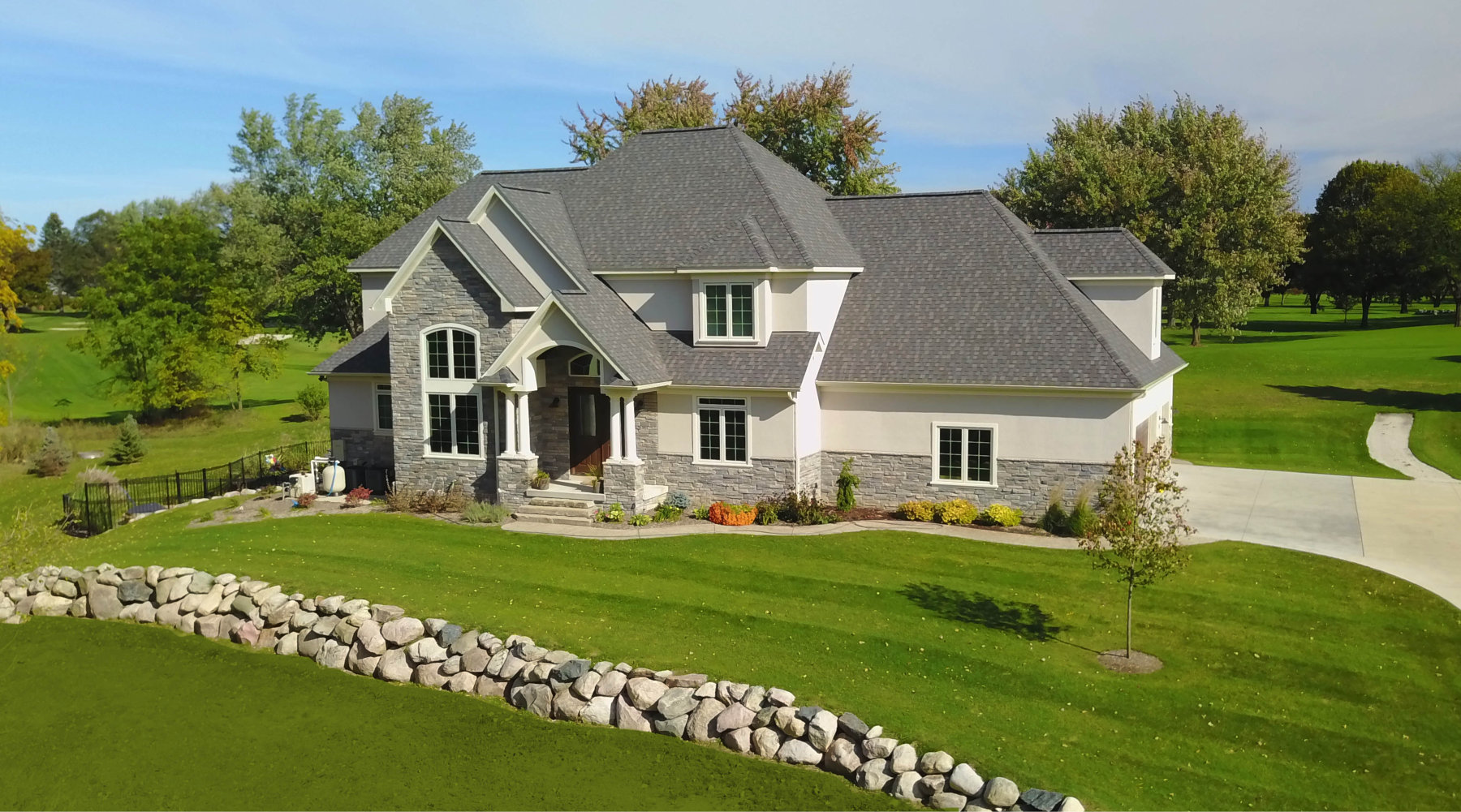 Spring_Meadow_Home_Builder_Fenton_Lakes_Building